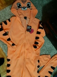 Tiger Onsie Mississauga, L5A 1B3