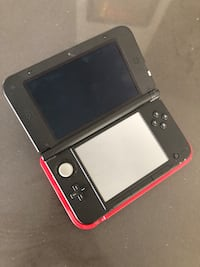 Red Nintendo 3DS XL with Charging Cradle Toronto, M6E 1Y2