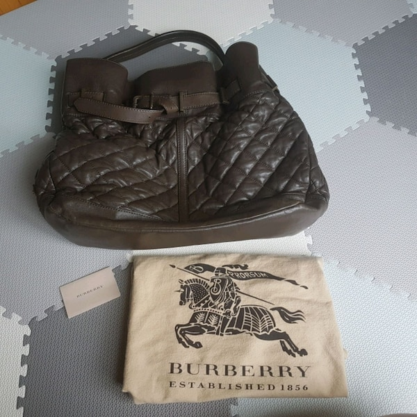 Burberry quilted leather hobo c5940c15-5eef-4afa-b37b-dd701d02e04c