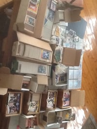 Assorted box of trading cards Kawartha Lakes, K0M