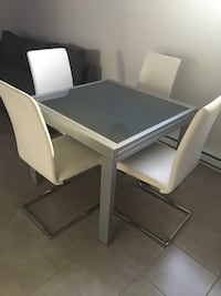 Extendable table with 4 chairs dining set Gatineau, J8T 8K3