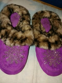 House shoes size 10 Oklahoma City, 73109