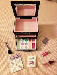 "American girl doll Isabelle's Makeup case for 18"" maplelea doll  Toronto, M6K 1S6"