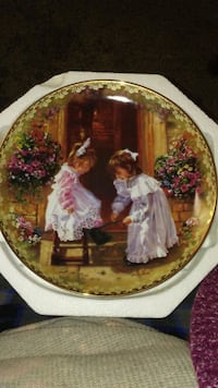 Sister touch collectable plate Essex, 21221