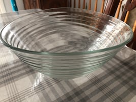 Round clear glass top table for fruits bran new