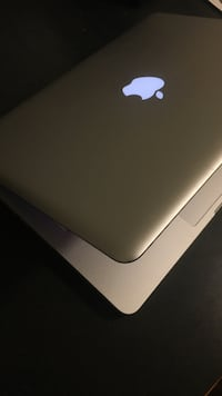 MacBook Pro (500GB) Vancouver, V6T