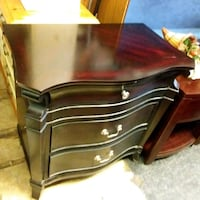 3 drawer side chest  Front Royal, 22630