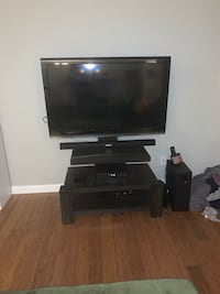 Mounted TV stand (TV NOT INCLUDED) Hyattsville, 20782