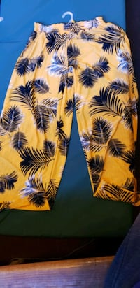 yellow and black floral print pants Seattle, 98125