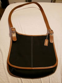 Coach Handbag, in amazing condition  Abbotsford