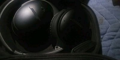 Bose wireless over the ear quiet comforts 3