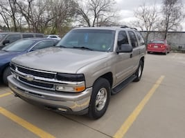 2000 Chevy Tahoe. 2 owners! Well maintained. Tires