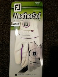 white and purple weather soft woman golf gloves Worcester, 01604