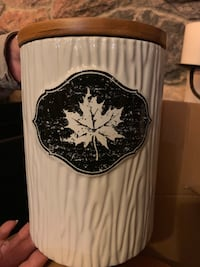 Maple leaf canisters 3 available - New