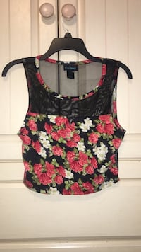Women's black, white, and pink floral scoop-neck sleeveless crop top Meridianville, 35759