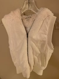 Faux Fur vest with hood. Like new condition. Women's size medium Camarillo, 93010