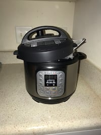 Instant pot. Never used.