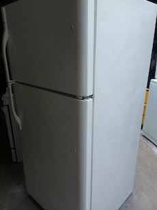 #1725 weight Kenmore 18 cubic foot refrigerator