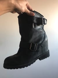 NEW size 8 black ankle boot