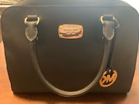Lightly used Michael Kors bag Guelph