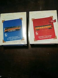 HALLMARK KEEPSAKE LIONEL LOCOMOTIVE + DAYLIGHT CHRISTMAS ORNAMENT