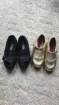 Two pairs of black leather shoes Surrey, V3R 6Y2