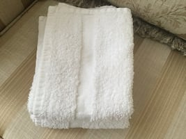 2 HAND TOWELS DIM 16x24 INCHES