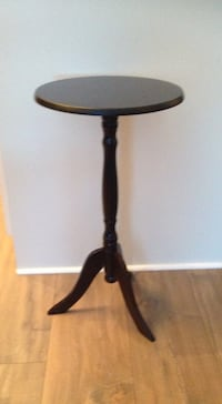 "Side table 21.5""tall  Vaughan, L4H 2J1"