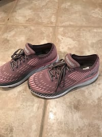 Hoka One One pink and gray. Women 9. New. No box  Arlington, 22201