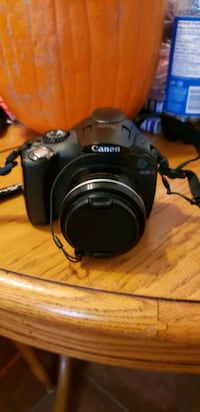 BRAND NEW CANON POWER SHOT SX30 WITH 35 X OPTICAL ZOOM DIGITAL CAMERA