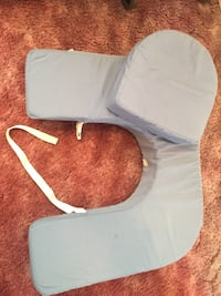 Nursing pillow for twins. Lake Forest, 92630