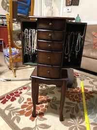 Jewelry box/shelf Springfield, 22150