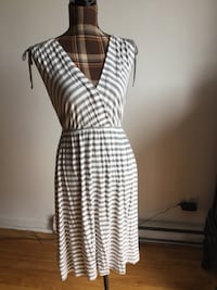 Brand new white and gray stripe summer dress in large Montréal, H1M 1S1