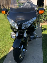 Honda Goldwing 2007 GL1800A color metallic black. 34 mi