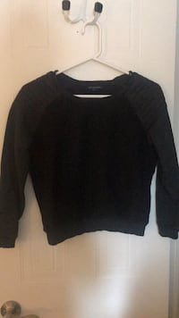 Sweater  Georgetown, L7G 5L9