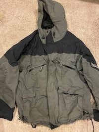 Bass and pro goretex jacket XL