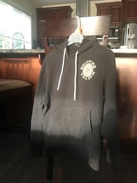 Men's small Volcom black hoodie  3730 km