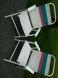 Vintage patio folding chairs -clean