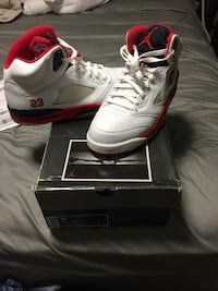 Jordan V fire red Size 10.5 Deadstock  Burke, 22015