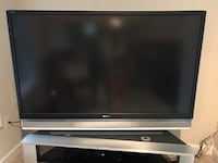 black and gray flat screen TV 26 km