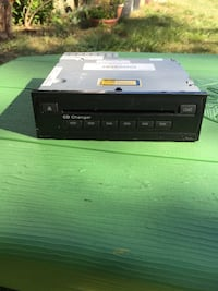 cd changer each $23 Bay Shore, 11706