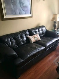 Leather couch / sofa en cuir Laval, H7X 4C1