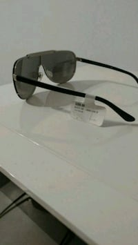 black framed Ray-Ban sunglasses Winnipeg, R2K