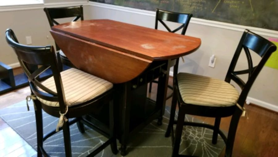 Pottery Barn Bistro Dining Table and Chairs e75d7417-8c16-46f5-915e-47ccb2b089a3
