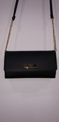 Brand new crossbody bag with portable charger  Delta, V4C 4G1