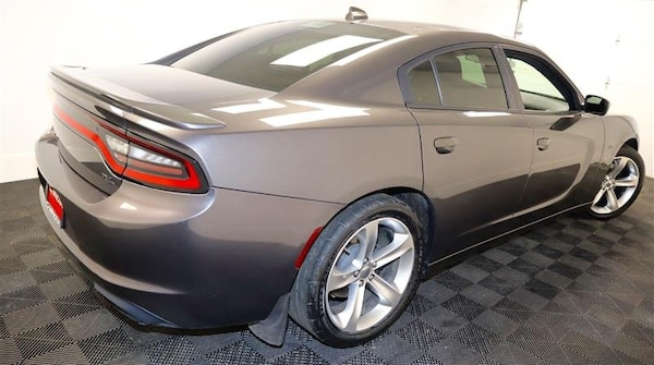 Dodge Charger 2017 c4404736-b9f4-4fb4-8183-d50aee2714ee