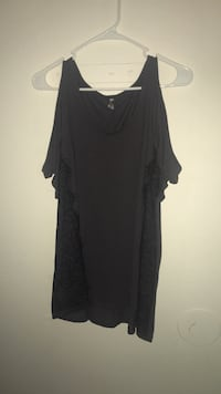 XL dark grey cold-shoulder top with lace detailing
