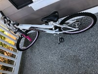 "24"" Girl's bike Redmond, 98053"