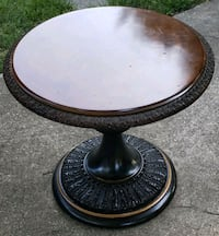 Round heavy side table. Pikesville, 21208