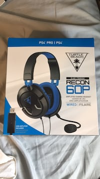 black and blue Turtle Beach headset box Hamilton